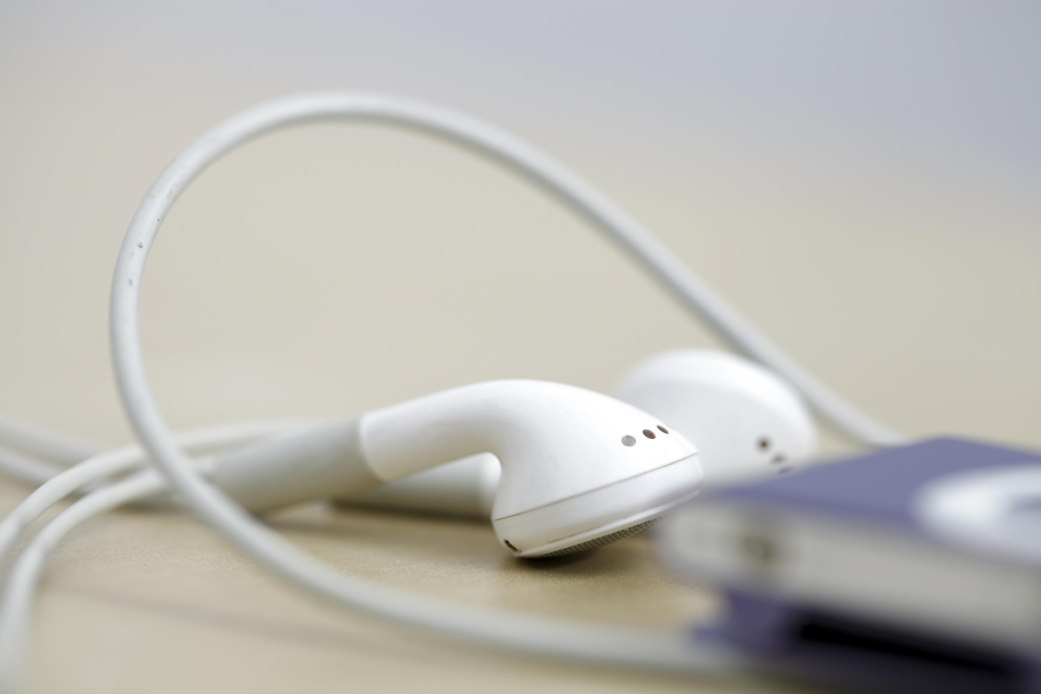 Ear buds, headphones