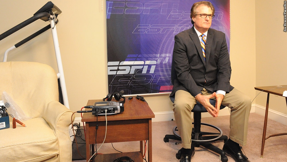Issue 220: Mel Kiper With ESPN Backdrop
