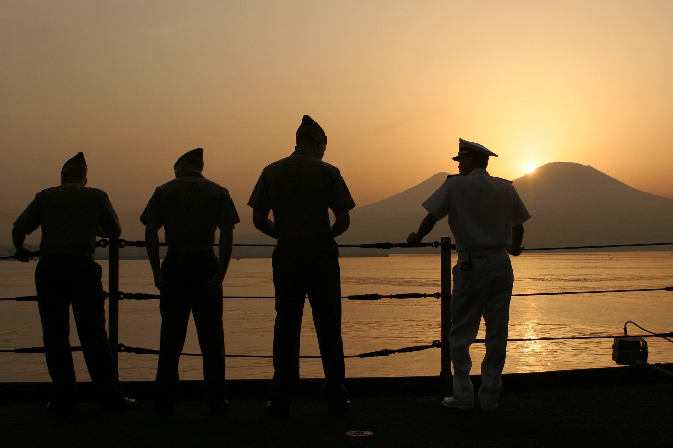 Marine commandant condemns nude photo-sharing by his troops