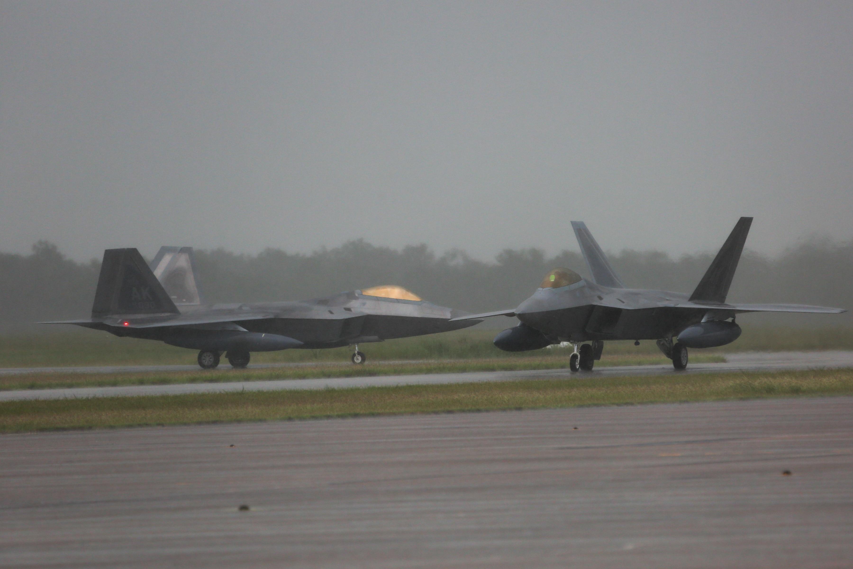 F-22s arrive in Australia