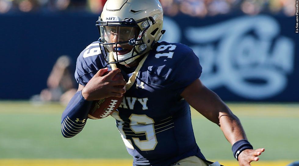 Navy Football 2015: Keenan Reynolds (vs. ECU, arm out)