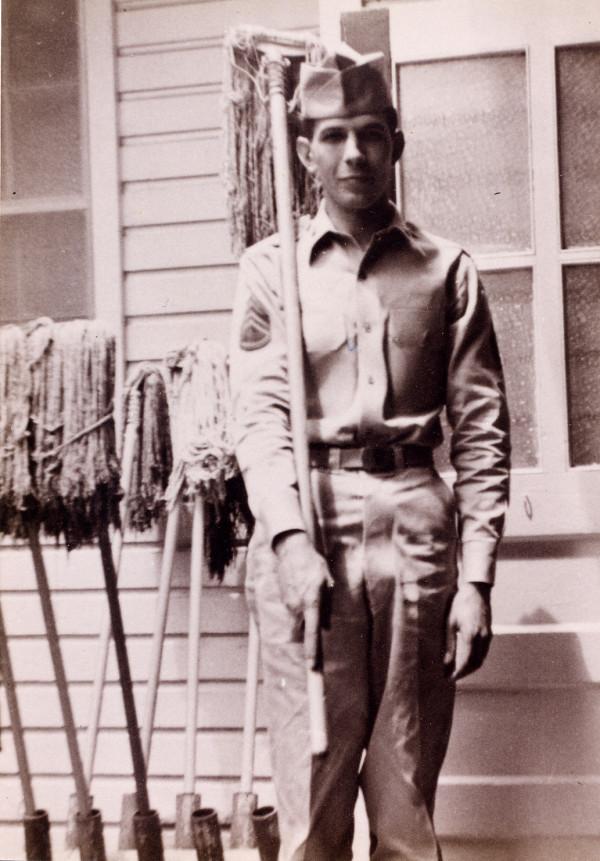 Leonard Nimoy Soldier Dies