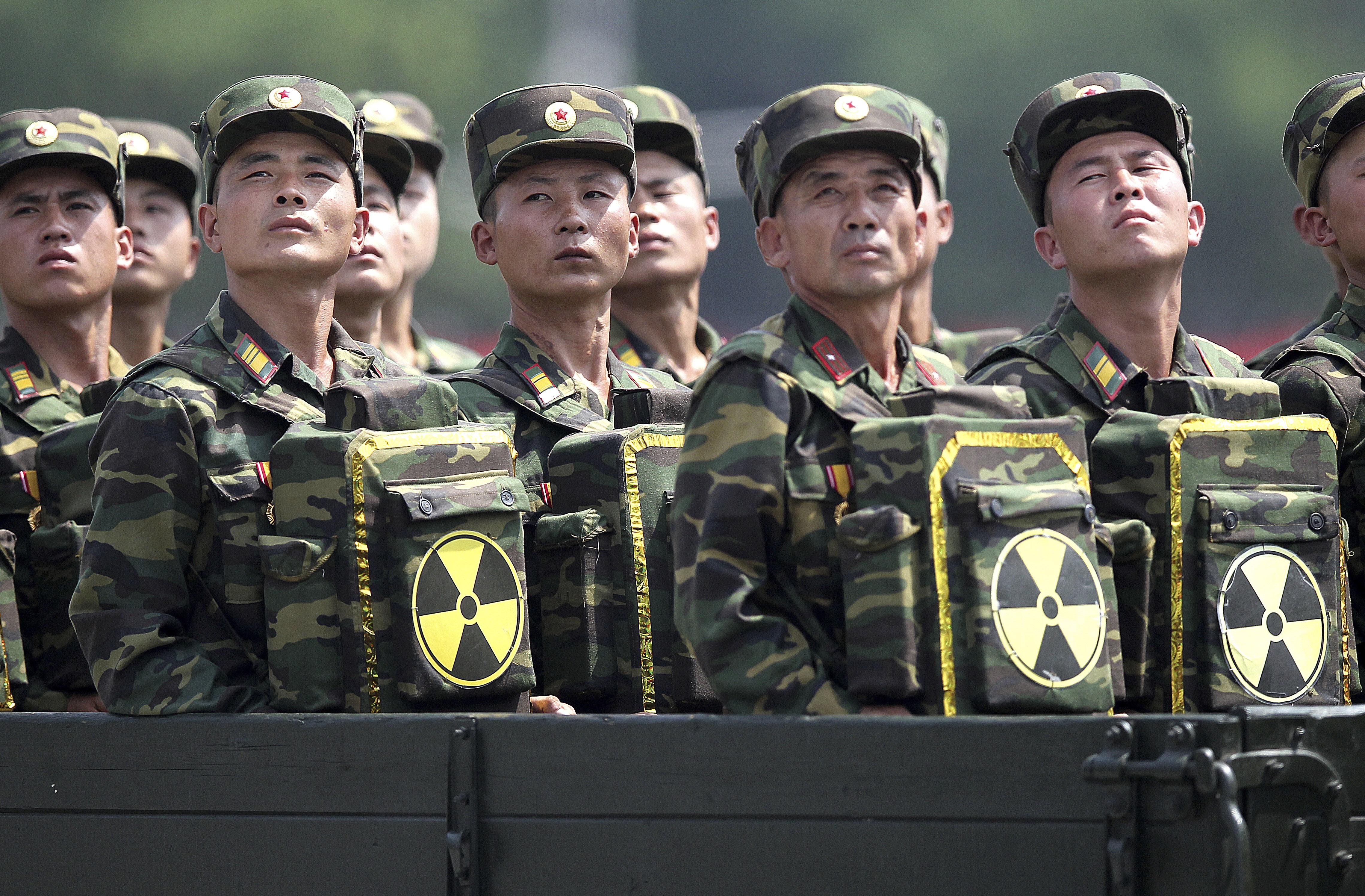 635926942854719111-North-Korea-Kim-s-Arm-Rafa.jpg