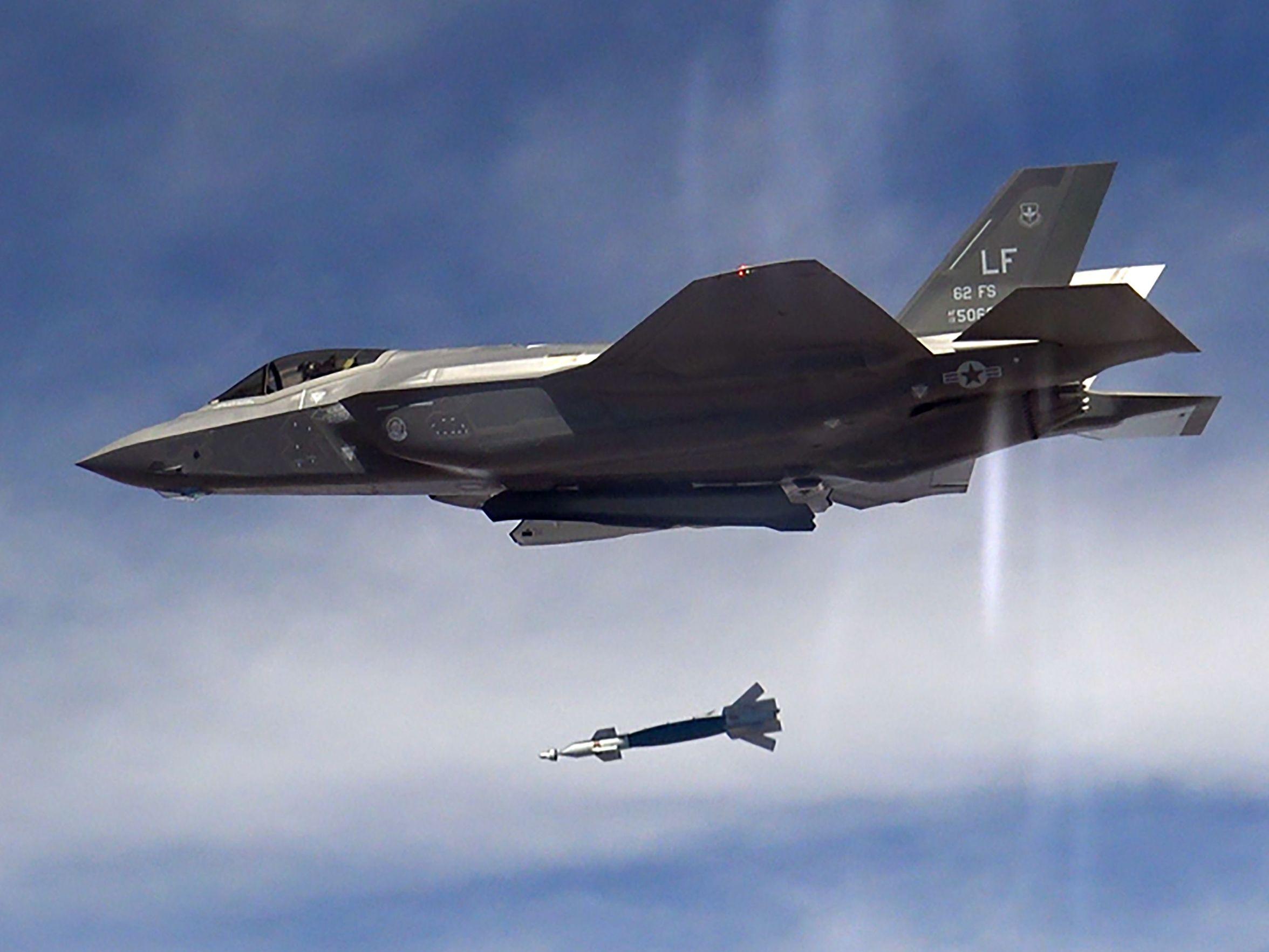 f-35s-uk-debut-warning-russia