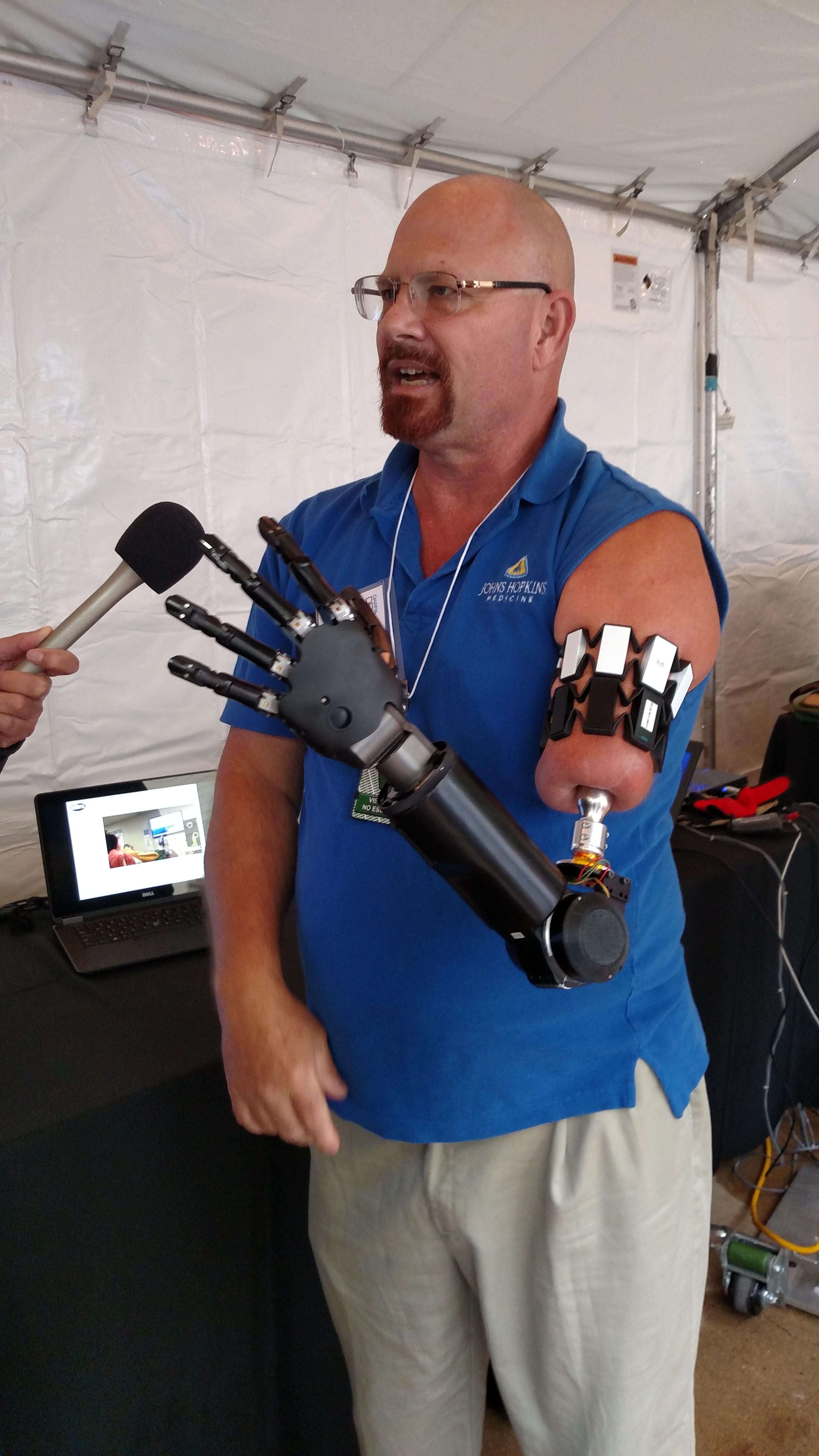635986621557214036-ARM-DARPA-Day.JPG