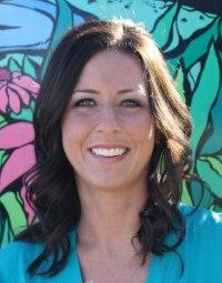 Team Acupuncturist Kristin Lundeen Headshot