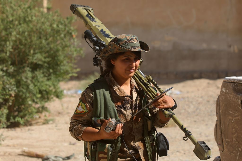 Middle East Kurdish-led forces encircle Raqqa city, tighten noose on IS