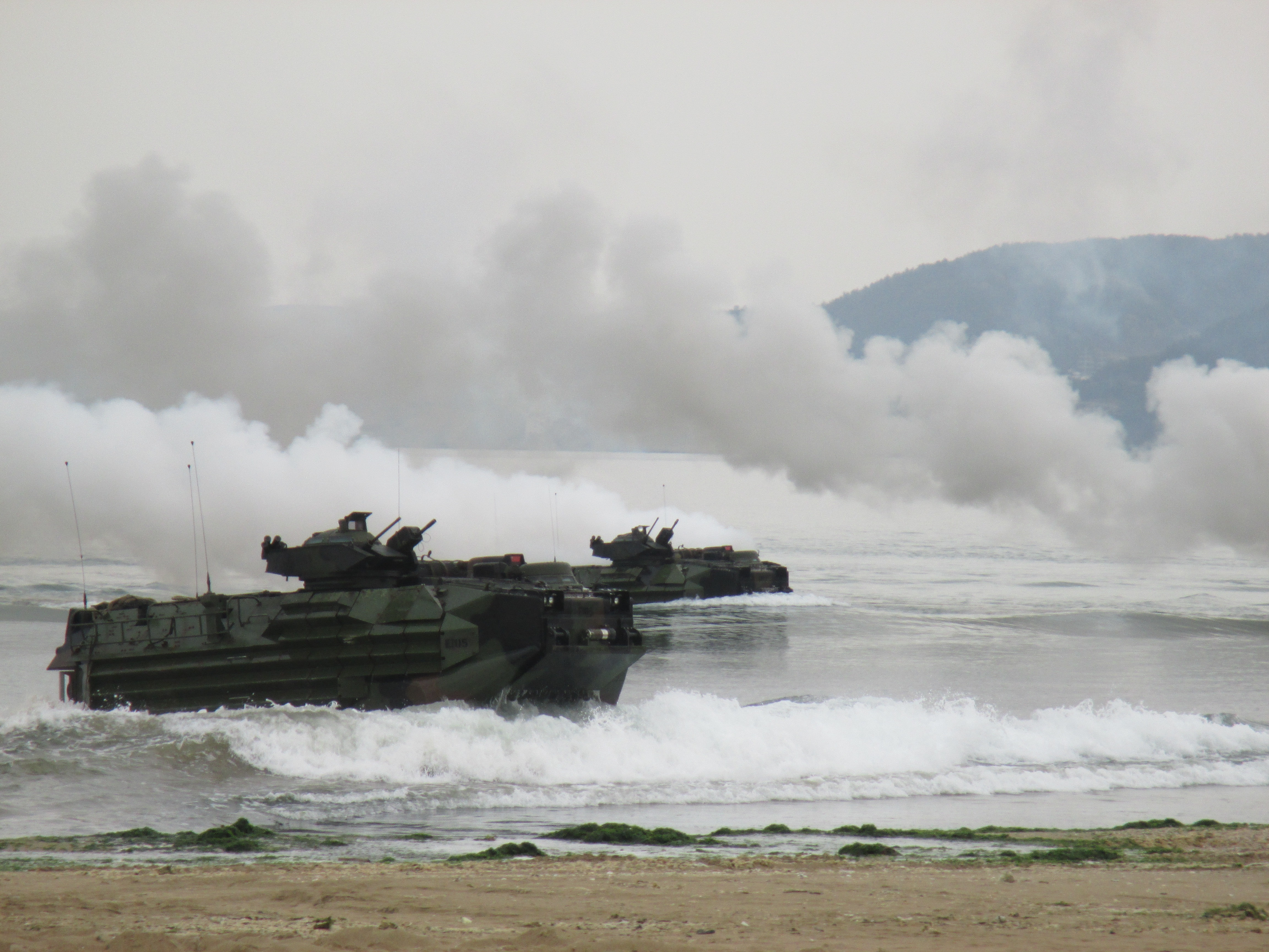 Marines take the shores during Ssang Yong 14