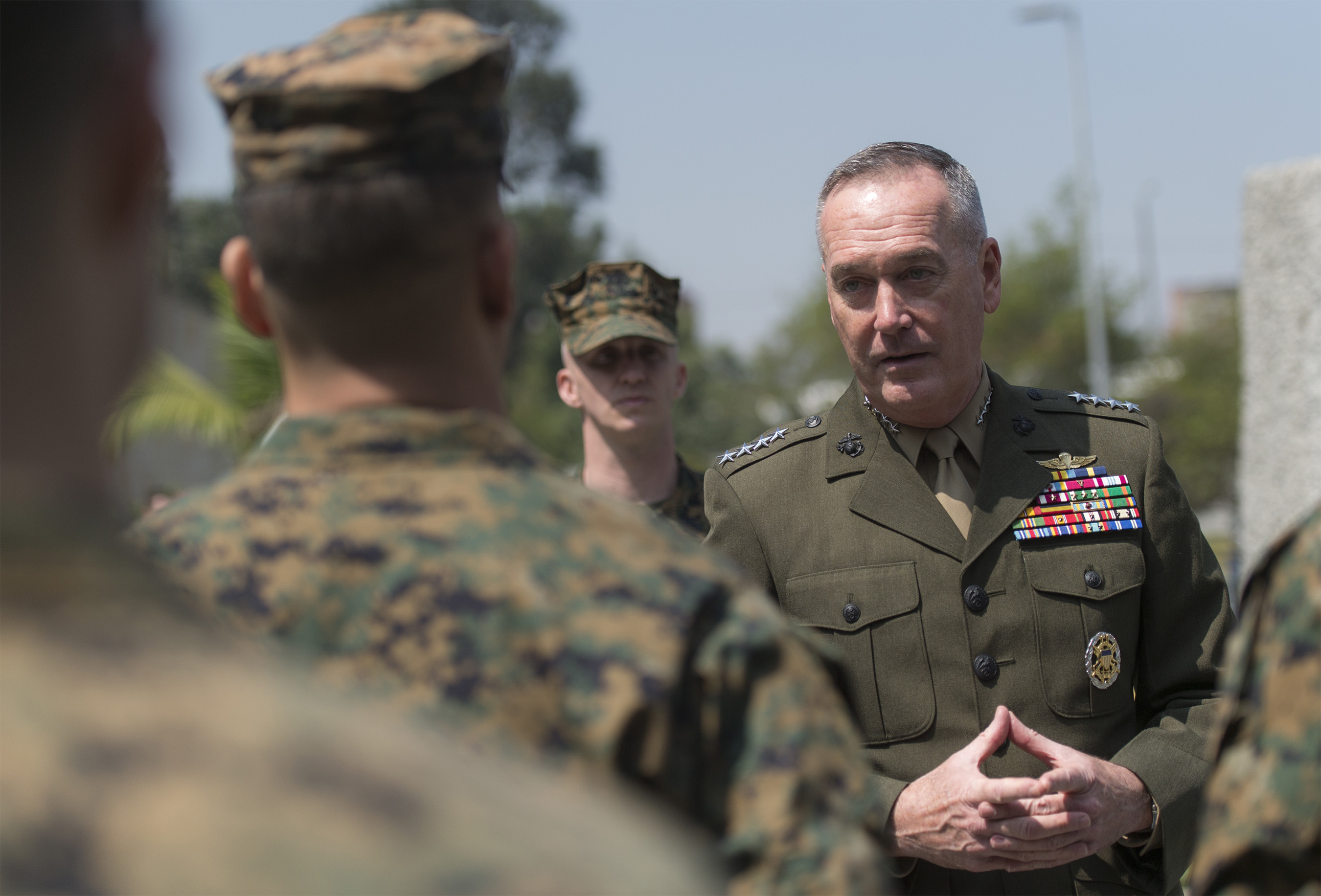 Dunford visits Marines in Colombia