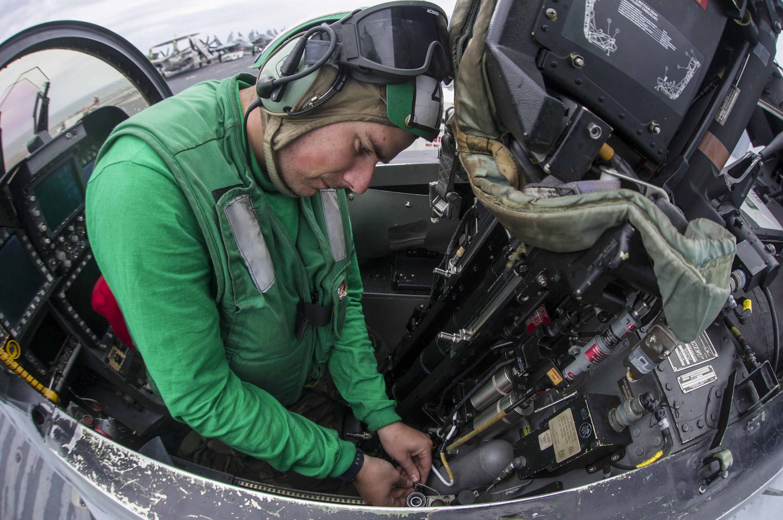 635981373520417050-cockpit.JPG