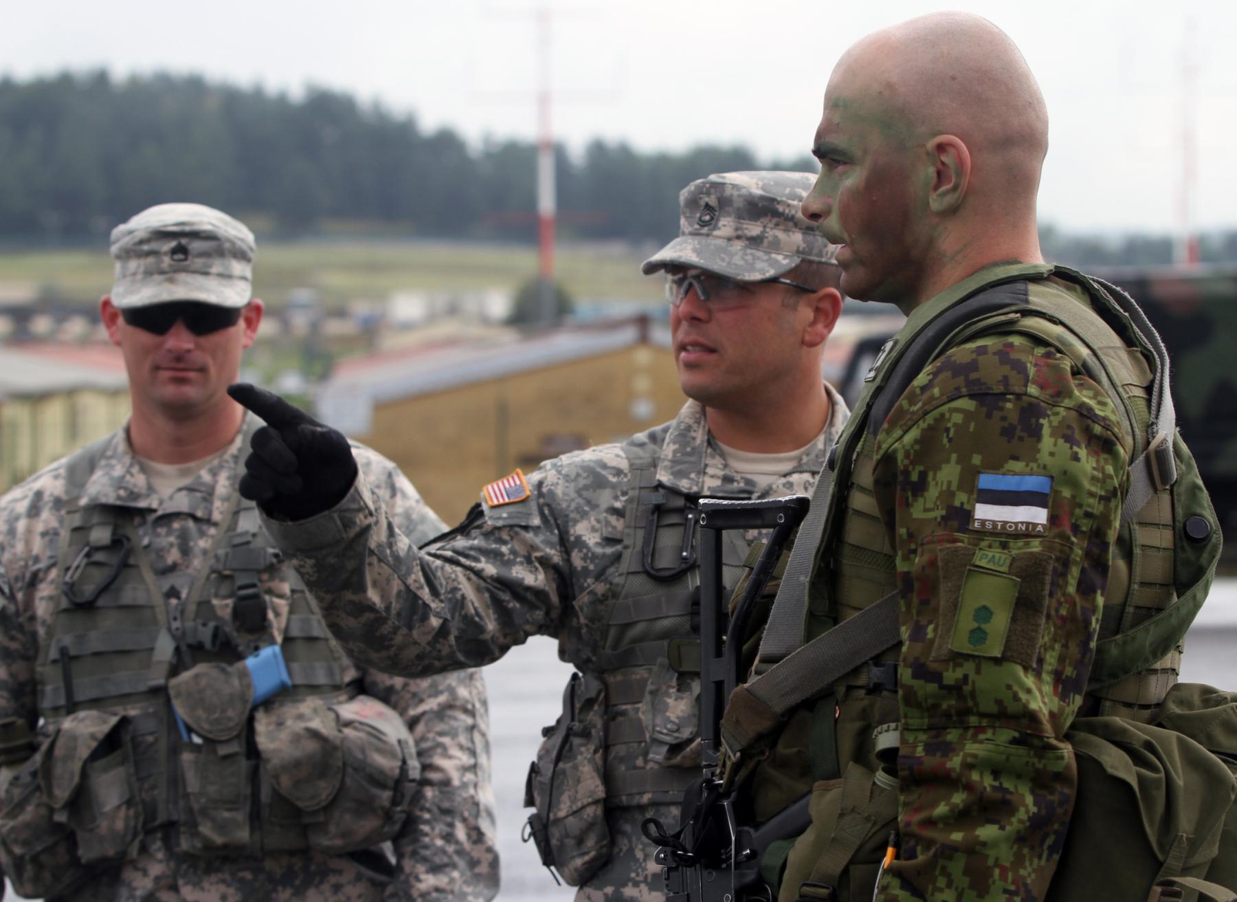 U.S., Estonian troops conduct training