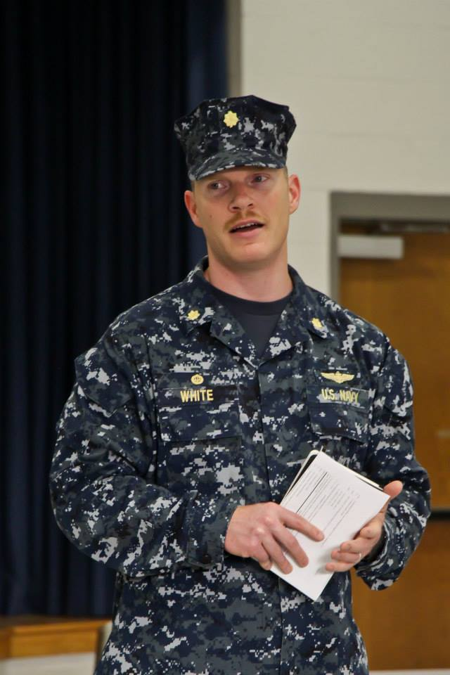 how to become a navy officer