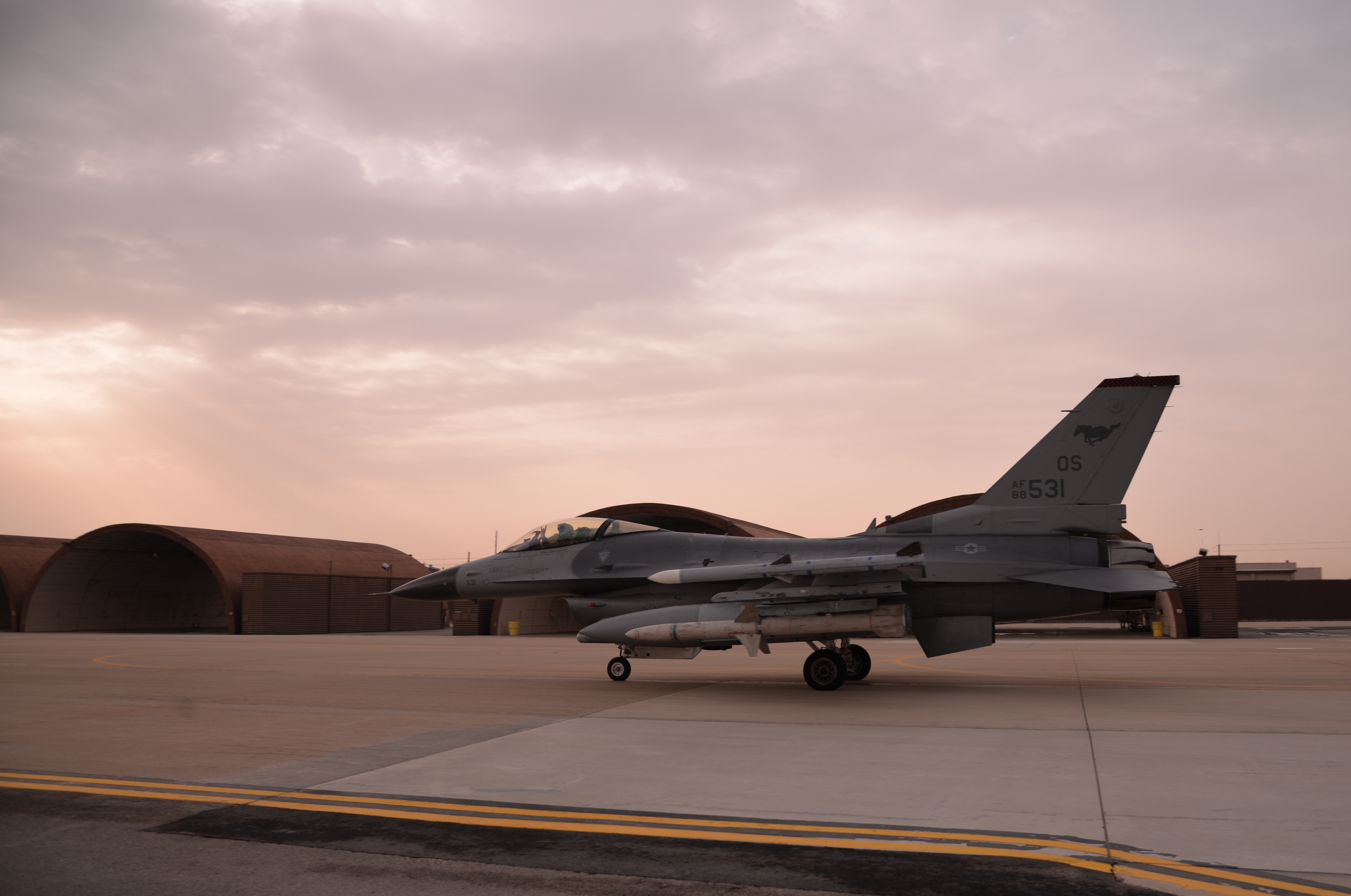36th AMU prepares F-16s for Beverly Midnight 16-01