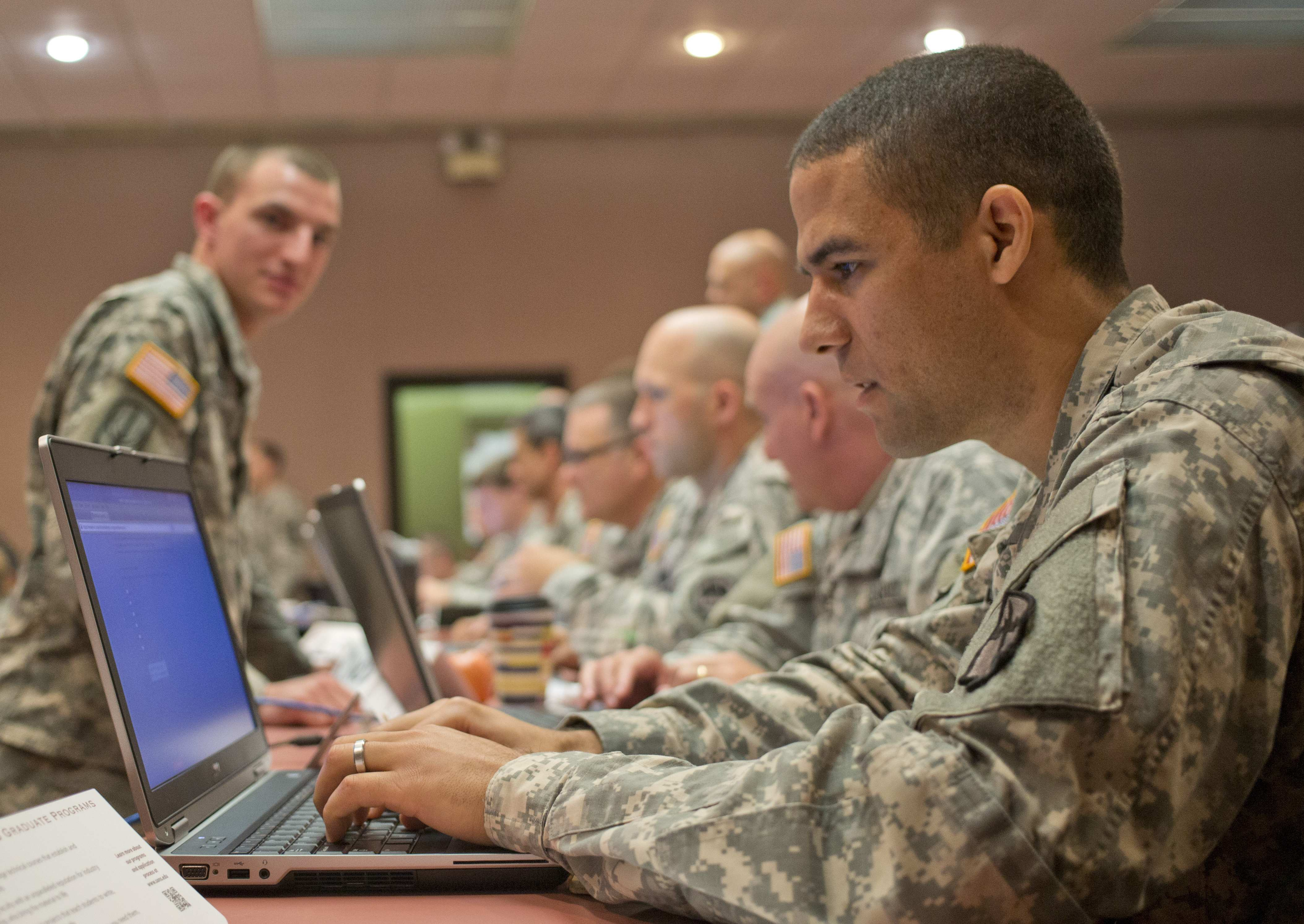 army awards b computer contract