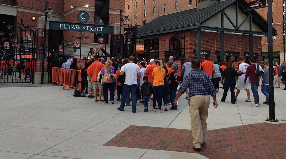 Issue 207: Orioles Fans Camden Yards