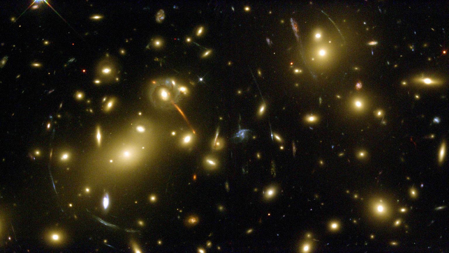 Abell 2218—A Massive Gravitational Lens