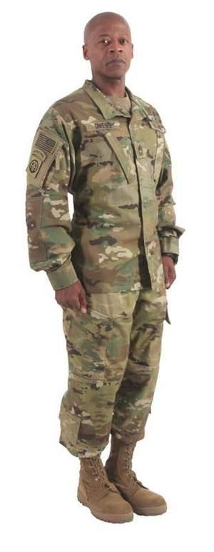 deployed-airmen-wait-for-new-uniforms - photo#45