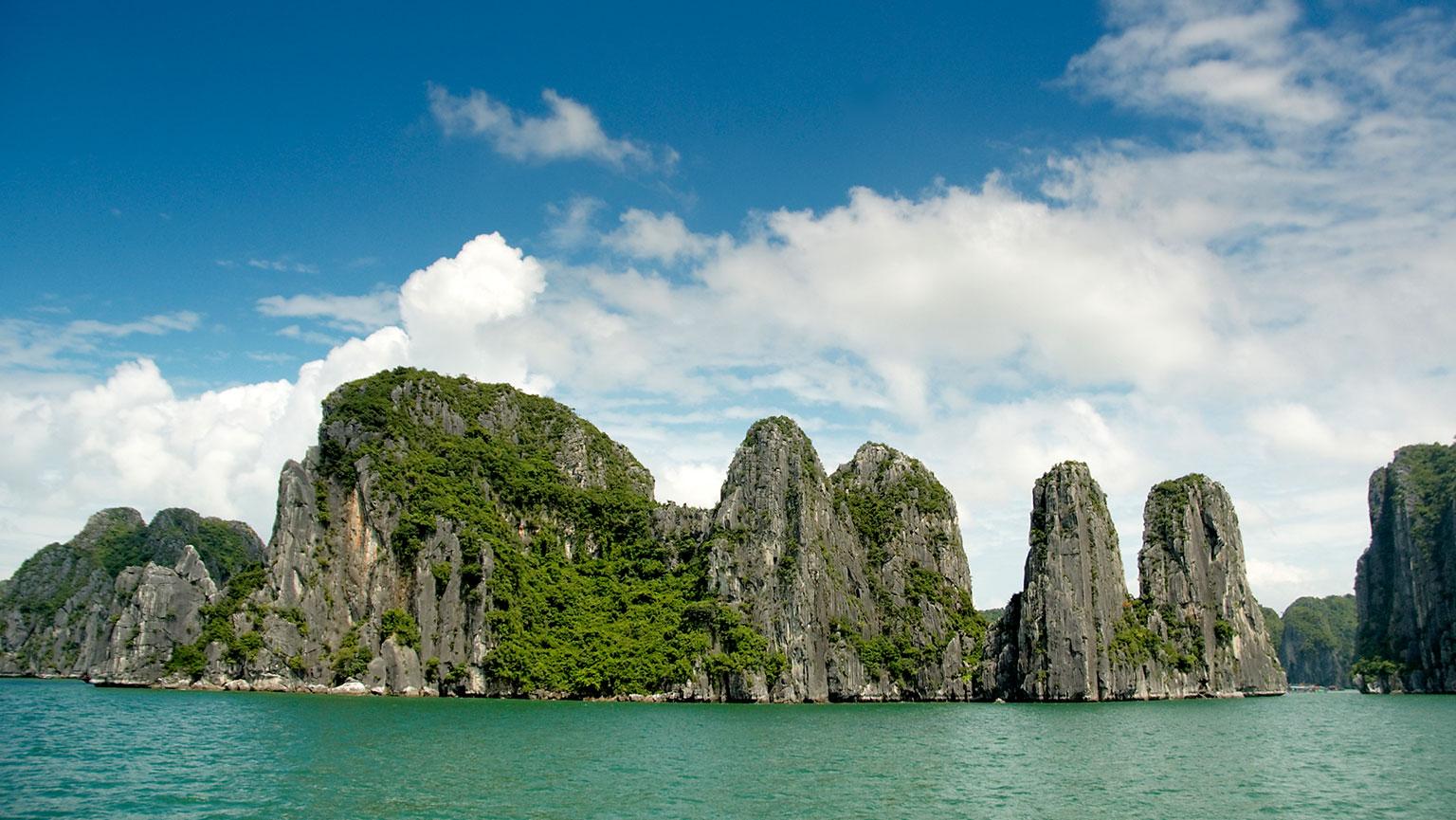 Ha Long Bay—Dramatic Karst Landscapes