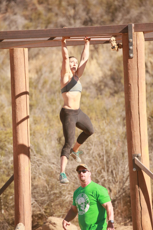 Former Marine Muscles Her Way 10k Broken Skull Challenge