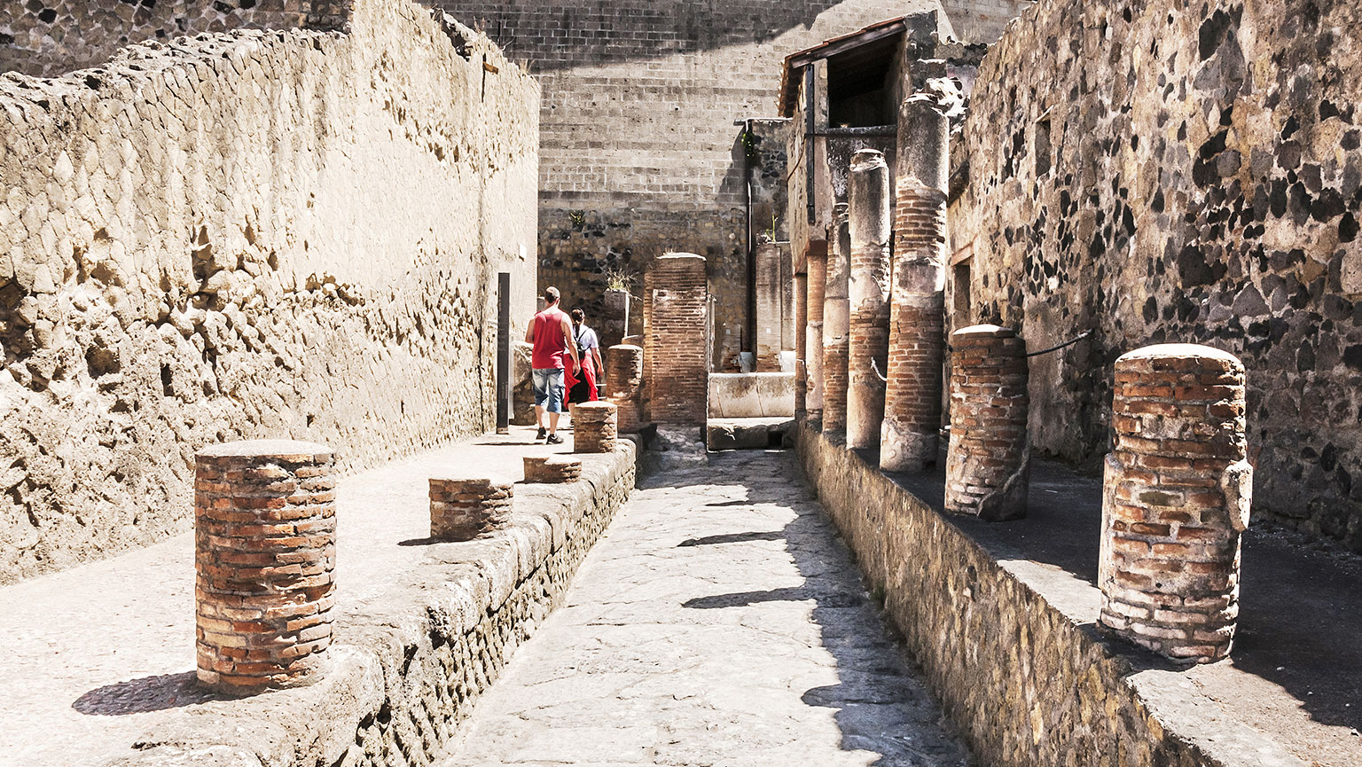 Worshipping the Emperors at Herculaneum