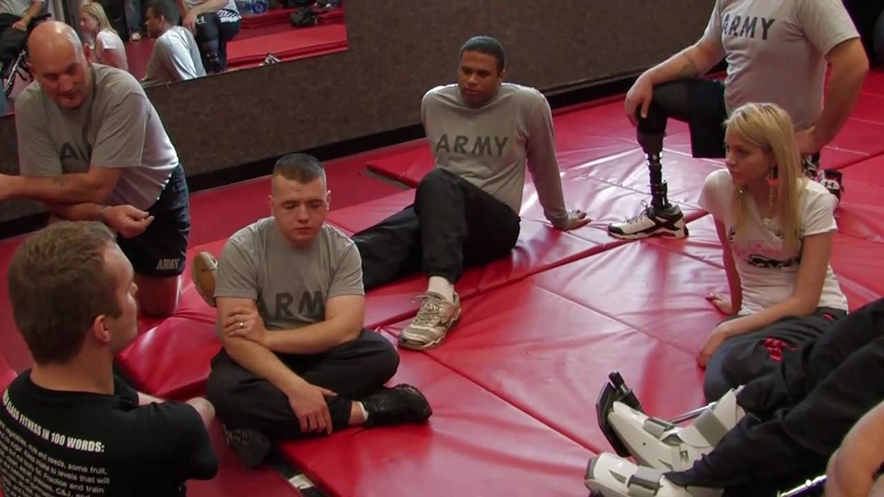 ESPY Winner Kyle Maynard Helps Wounded Vets
