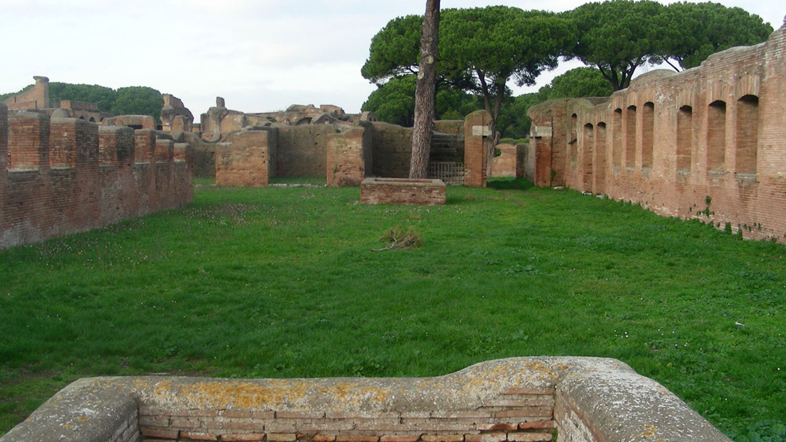 Ostia—Middle-Class Harbor Town