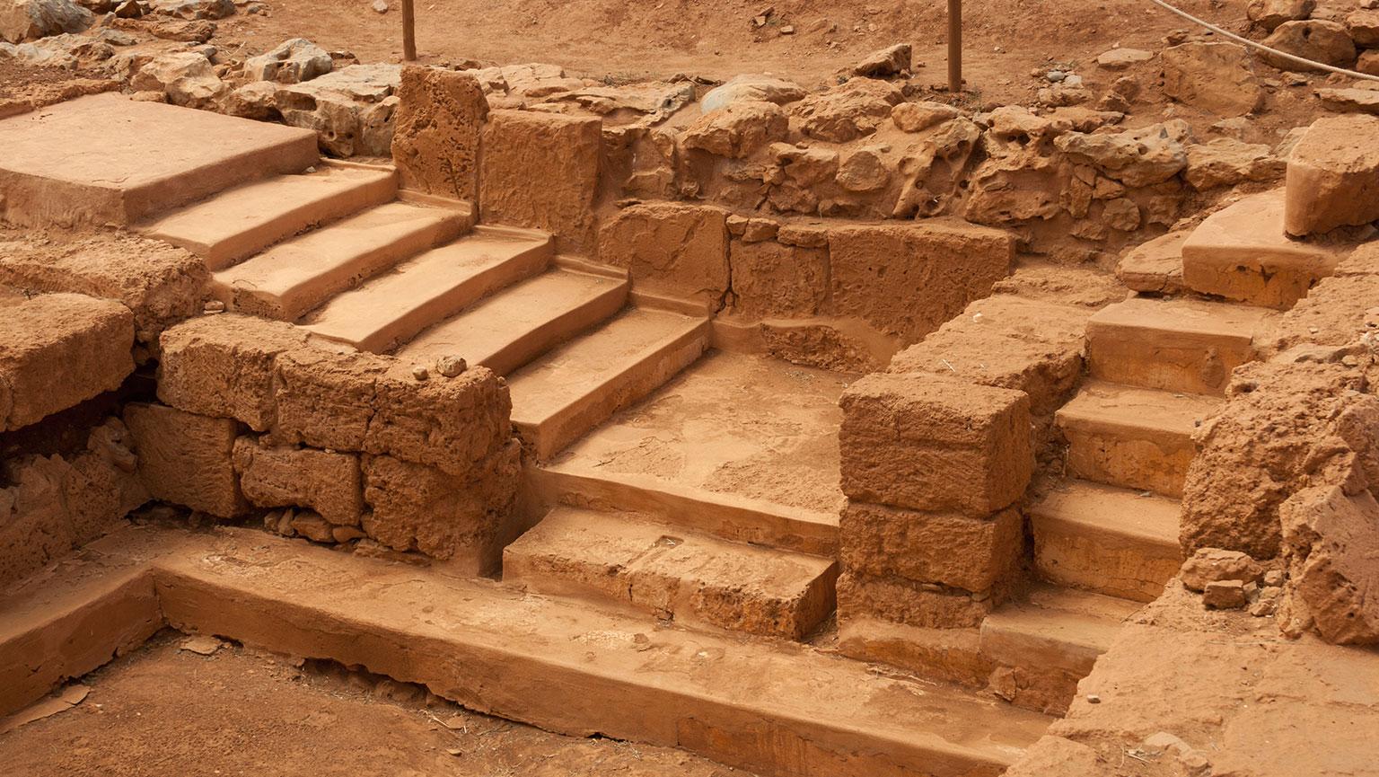 Akrotiri—Bronze Age Pompeii