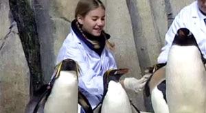 Image of Season 1 Episode 4 Zoos