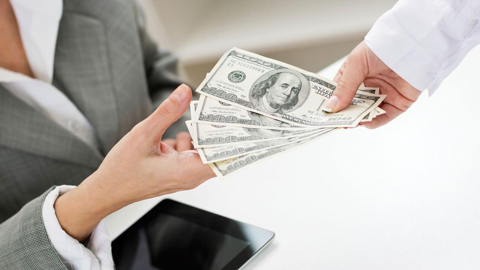 Billion-Dollar IOUs—Using Bonds to Borrow